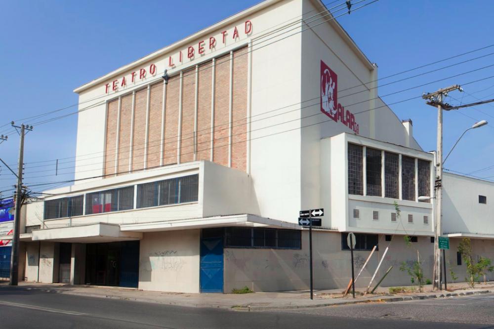 Fachada Teatro Libertad. © Loreto Vergara Gálvez (2016). Cortesía Independencia Cultural para Plataforma Urbana.