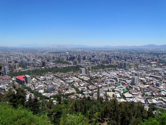 Vista de Santiago desde el cerro San Cristobal. © Flickr Usuario: David Berkowitz. Licencia CC BY 2.0