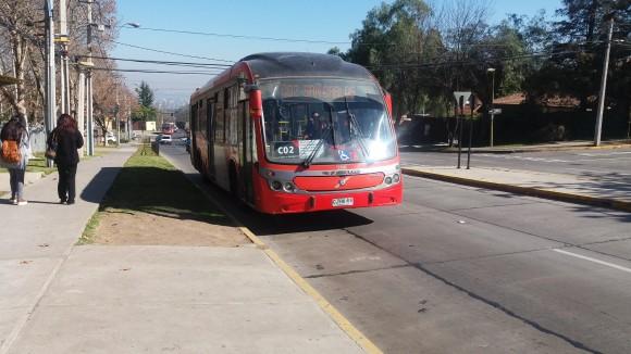 Buses y paraderos deben considerar condiciones para que la accesibilidad funcione.