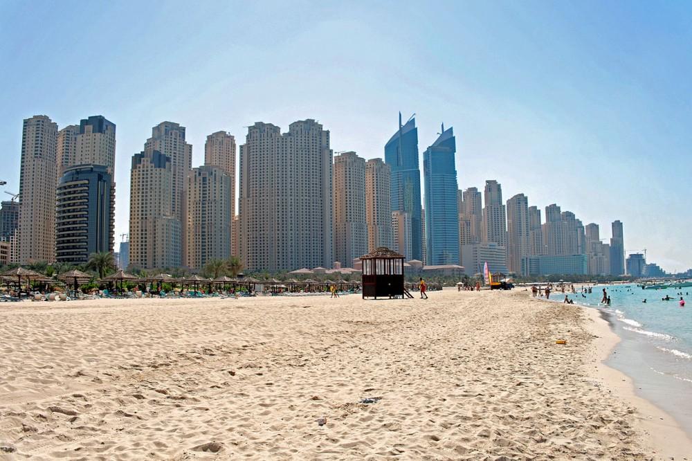 Playa Jumeirah, Dubai. © Wikimedia Commons Usuario: pe-sa. Licencia: CC BY 3.0