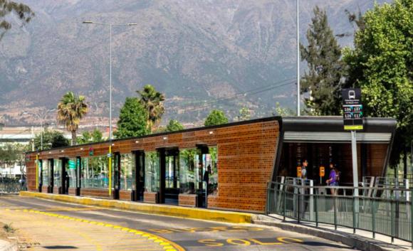 Prototipo estaciones de buses Transantiago. Cortesía de la Municipalidad de Independencia para Plataforma Urbana