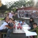 Niños dibujando propuesta de barrio. Cortesía Equipo para Plataforma Urbana