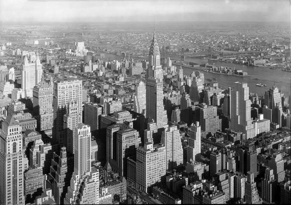 Midtown Manhattan en 1932, tras la Ley de Zonificación de Nueva York (1916). Image © Samuel Gottscho. Dominio Público