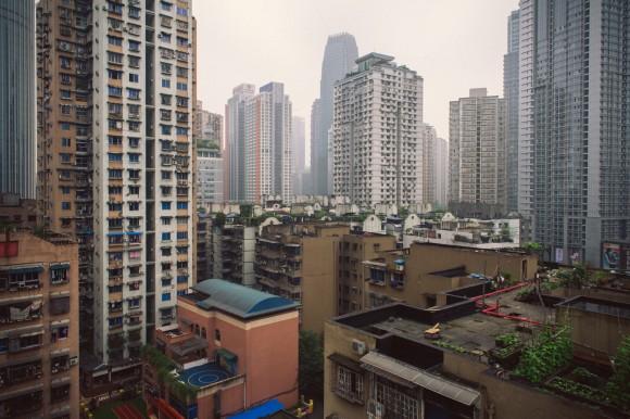 Yuzhong, distrito central de Chongqing (China), una megápolis símbolo del rápido proceso de urbanización del Sur Global, y en especial, de China. Image © Flickr usuario: Tauno Tõhk / 陶诺, bajo licencia CC BY-SA 2.0