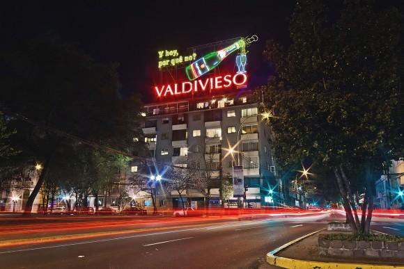 Letrero publicitario Valdivieso en Santiago © Wikimedia Commons usuario: Calr1023. Licencia CC BY-SA 3.0