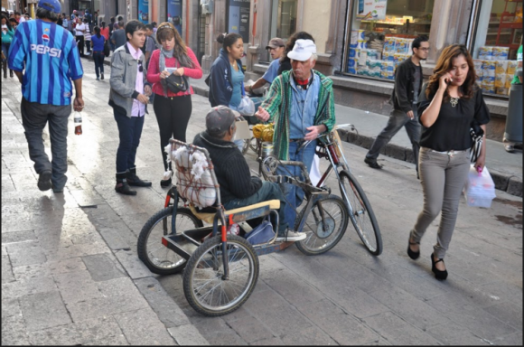 © Horacio García Flores / Editorial El Caminante. La Vuelta al Mundo en 80 Bicicletas