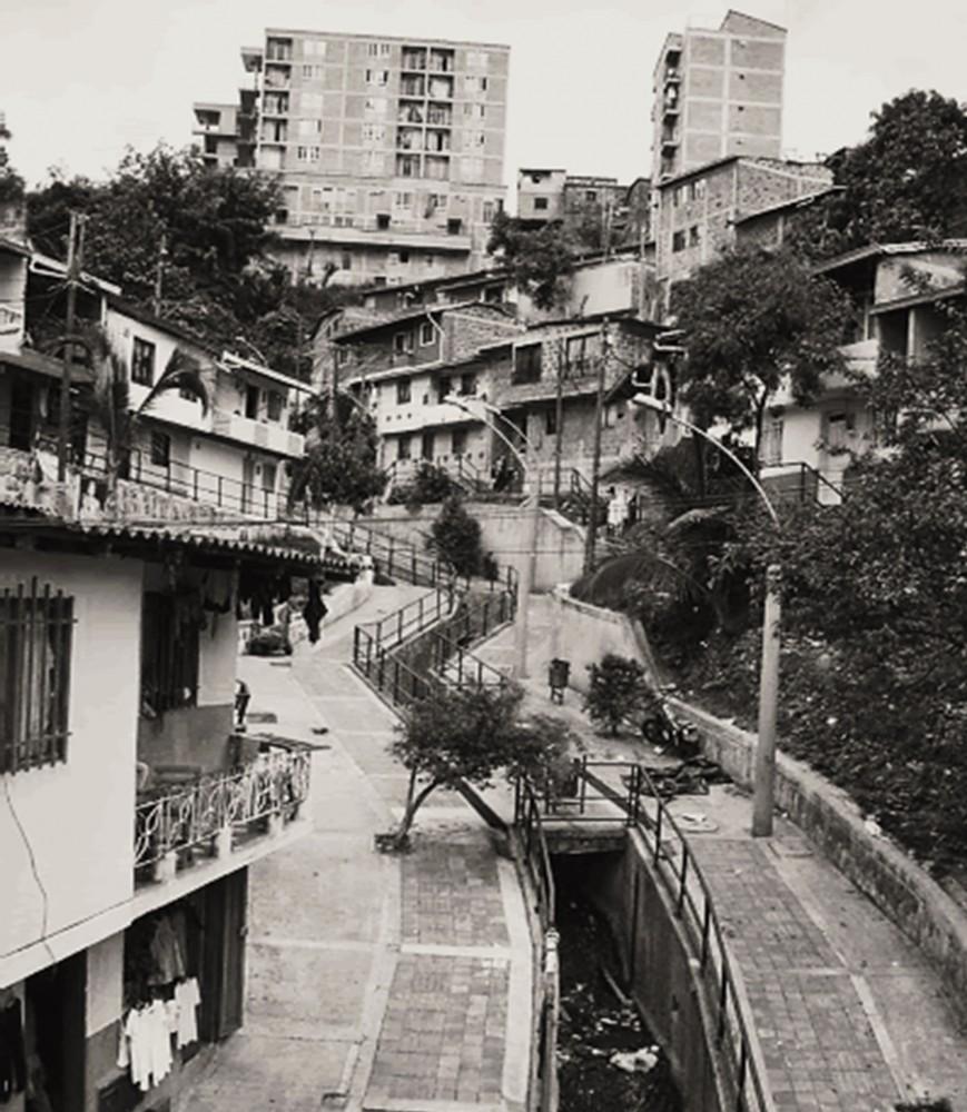 Programa de Mejoramiento Integral de Barrios en Juan Bobo, Medellín, Colombia.